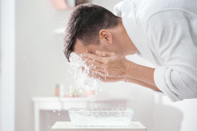 ニキビの原因、洗顔のやりすぎ